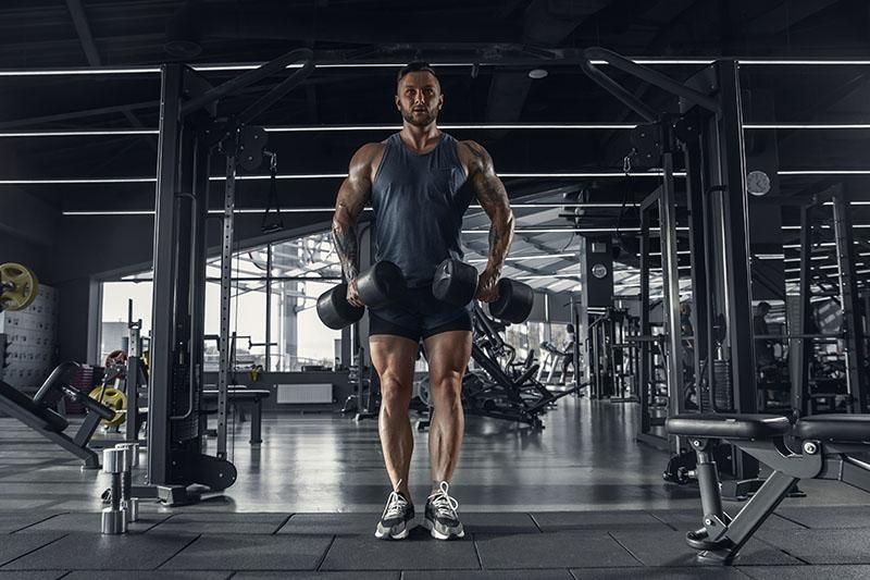 Mięśnie kapturowe – skuteczne ćwiczenia na kaptury